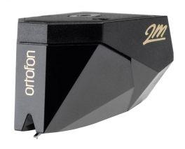Ortofon 2M BLACK testina fonorivelatore MM stilo nude fine line. Tensione di uscita 5mV. Peso di lettura consigliato 1,5gr