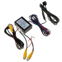 Switchcam - Interfaccia gestione doppia telecamera (front e rear) e sensori di parcheggio su unico attacco CAM